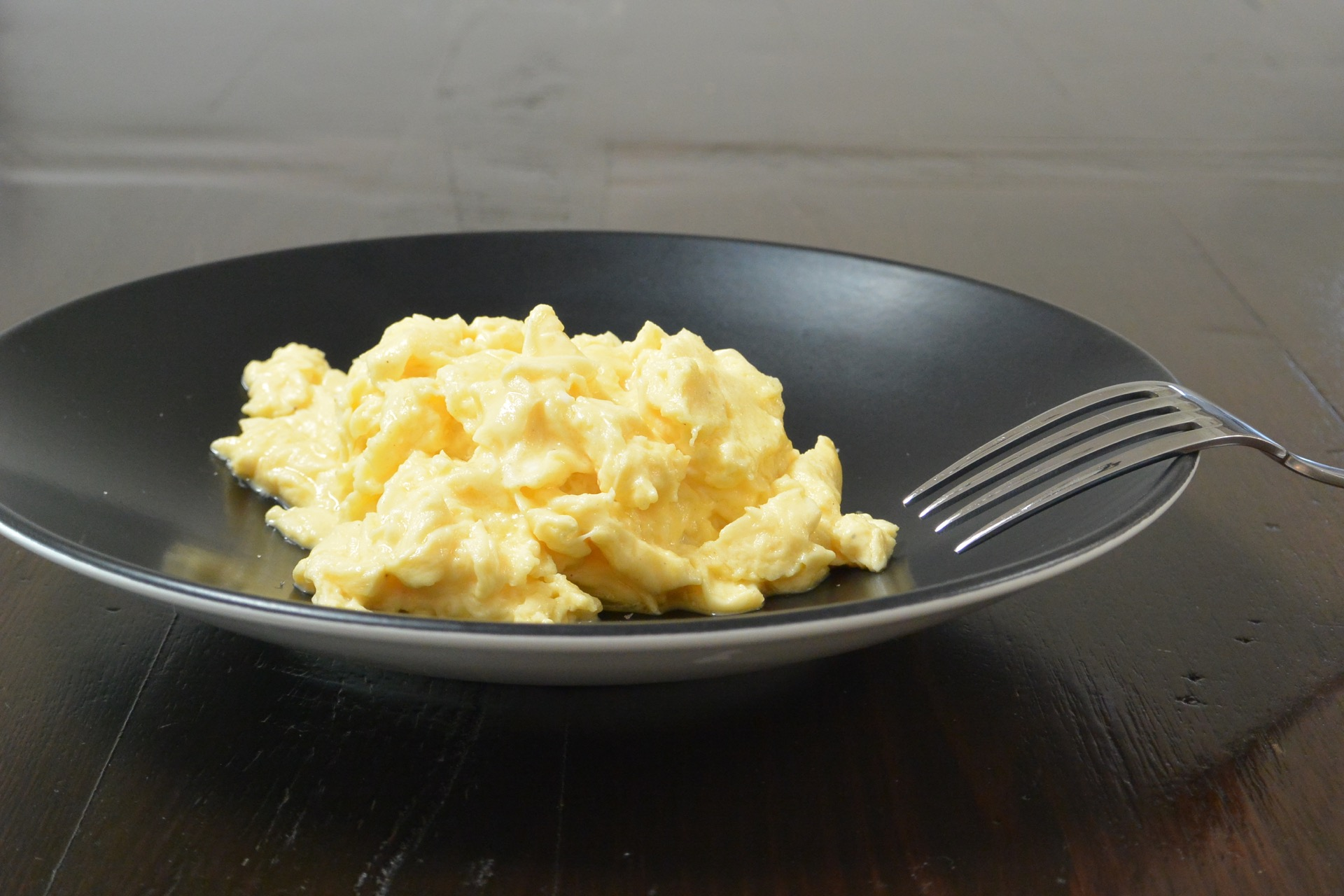 cooking perfect scrambled eggs - HD 1920×1280