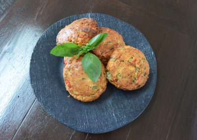 CWS-0164-1 Smoked Cheddar and Roasted Capsicum and Herb Scones